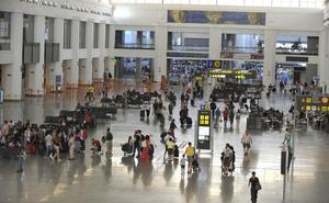 Localizan en el aeropuerto de Málaga a un menor fugado de un centro