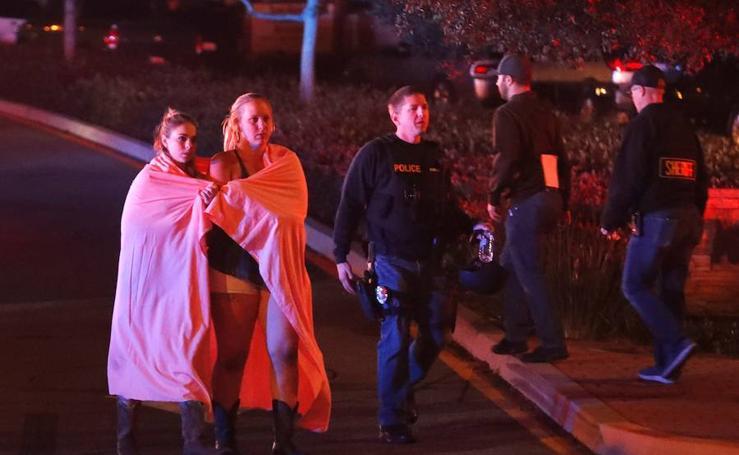 Las imágenes del tiroteo que ha dejado doce muertos en Estados Unidos