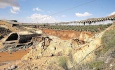 La Junta y Adif acuerdan la cesión de once kilómetros de la plataforma del AVE