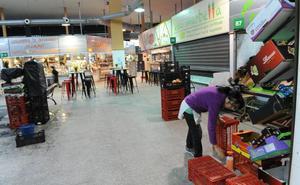 El Ayuntamiento activa el enésimo intento para acabar con las filtraciones de agua en el mercado