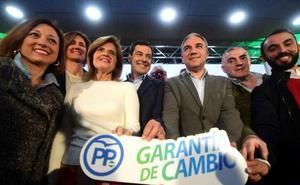 Juanma Moreno promete en su programa 600.000 empleos «en cuatro años» con una «bajada masiva de impuestos»