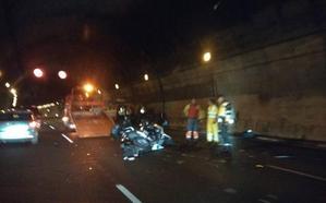 Reabren los dos carriles del túnel de Cerrado de Calderón cortados tras un alcance entre varios vehículos