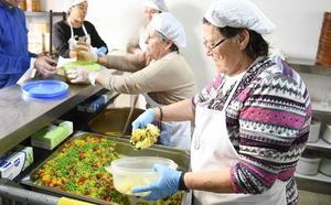 El comedor social de Miraflores de los Ángeles: 500 raciones de generosidad