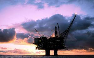 Arabia Saudí reclama recortar la producción de crudo en un millón de barriles diarios