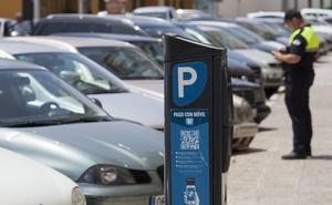 La plantilla de los 'parkings', el SARE y la grúa de Málaga recupera derechos y pacta una subida salarial