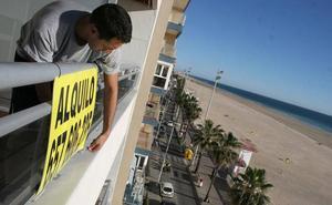 El Ayuntamiento aprueba incrementar las ayudas al alquiler en 100 euros cada mes