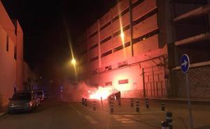 Vélez cifra en 72.000 euros el gasto en reposición de contenedores quemados por vandalismo