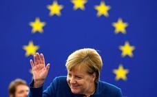 Merkel apuntala la apuesta de Macron por un ejército europeo