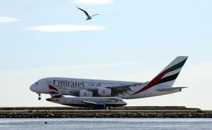 Emirates busca candidatos en Málaga y Marbella para contratar tripulantes de cabina