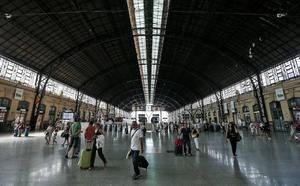 Un vigilante de seguridad halla una mano en una estación de tren de Valencia tras confundirla con un guante