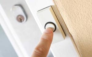La Policía alerta de los casos en los que nunca debes abrir la puerta de casa