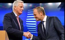 Bruselas abre el proceso para ratificar el acuerdo del 'Brexit' y cruza los dedos