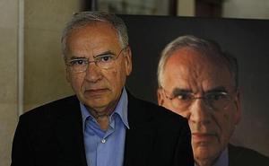 Alfonso Guerra dice que le rechina el sondeo del CIS que da triple empate a PP, Podemos y Cs