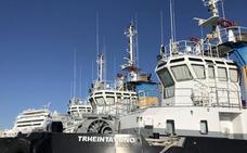 'VEHINTISIETE', 'TRHEINTAYUNO', ... la curiosa historia de los remolcadores del puerto de Málaga