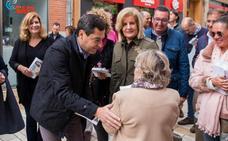 Juanma Moreno advierte del «voto oculto» causado por alcaldes socialistas del interior que ejercen como «caudillos»