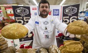 El pan hecho «sin prisas» de Algatocín, uno de los mejores de España