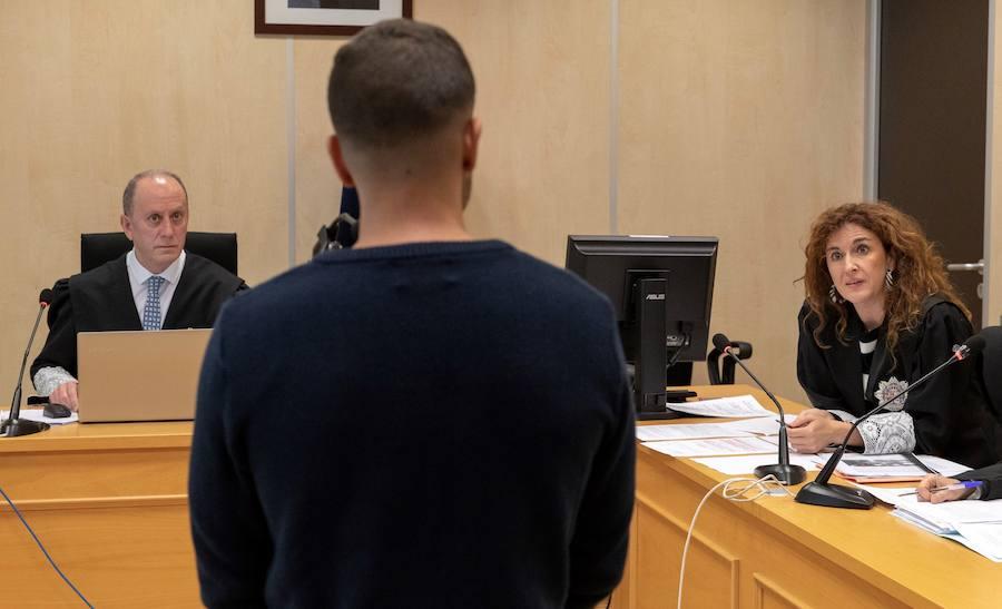 Juicio contra Boza, miembro de 'La Manada', por el robo de unas gafas y embestir a dos vigilantes