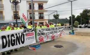 La plantilla de la limpieza de Torrox sigue con protestas