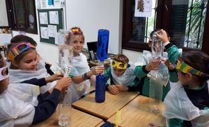 Salud y medio ambiente, en la semana de la Ciencia del colegio Sagrada Familia El Monte