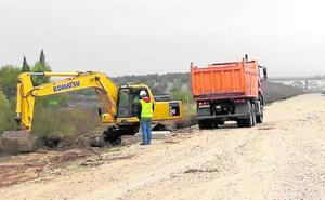 Adif inicia las obras en la plataforma del AVE para recuperar el tren entre Málaga y Sevilla