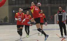 Sole López se prepara con las 'Guerreras' en el Torneo Internacional de España