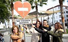 Juanma Moreno apela al voto de jóvenes y mujeres frente a un PSOE «caduco e inútil»