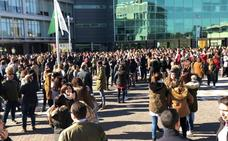 Los trabajadores del PTA secundan de forma masiva la protesta por los problemas de acceso