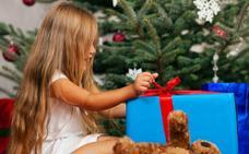 ¿Dónde puedo llevar juguetes para niños sin recursos en Málaga?