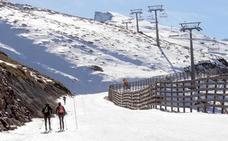 Muere un montañero al caer desde unos 200 metros en Sierra Nevada