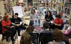 Tortosa e Idígoras presentan un cuento para recaudar fondos para una asociación teatral