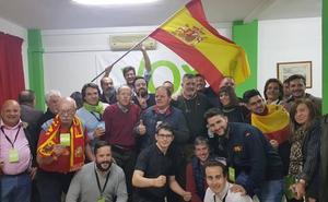 Extrema felicidad en la sede malagueña de Vox al grito de «¡Viva España!»