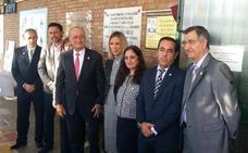 El alcalde de Málaga recuerda la subida del PP en las municipales de 2015 e insiste en que el resultado del domingo no es extrapolable en la capital
