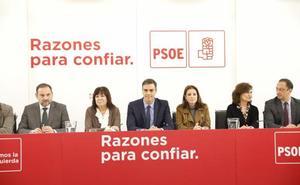 El PSOE tranquiliza a Susana Díaz: «Tiene todo nuestro apoyo, no pedimos que dimita»