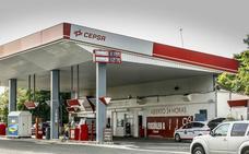 Ribera prosigue su guerra al diésel: la caída de ventas anticipa «un cambio rápido» de modelo
