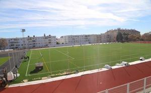 La pista de atletismo y el campo de fútbol de Arroyo de la Miel reabrirán a principios de año