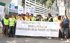 Los examinadores de Tráfico convocan huelga para exigir la subida salarial aprobada este año