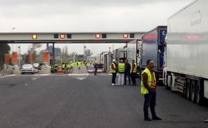 El tropical de Málaga confirma una bajada de las exportaciones en un 30% por las protestas en Francia