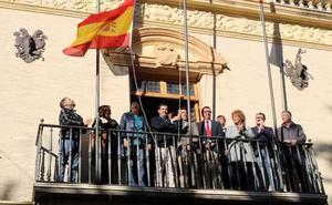 Juanma Moreno pide que «se deje atrás el debate de sillones» y que se empiece a hablar de reformas