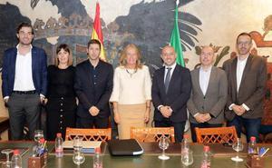 Los gestores del Marbella explican su proyecto al Ayuntamiento