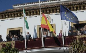 Marbella apela al espíritu de «unidad» de la Constitución frente a los «extremos y la radicalidad»