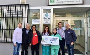La Asociación Payasos de Hospital dona al Ibima de Málaga 1.600 euros para investigar el cáncer