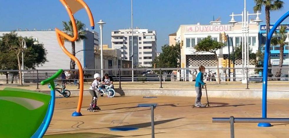Paseo marítimo Antonio Banderas: de parque acuático a pista de patinaje