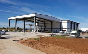 La primera industria láctea de Málaga inicia la fase de pruebas previa a su apertura