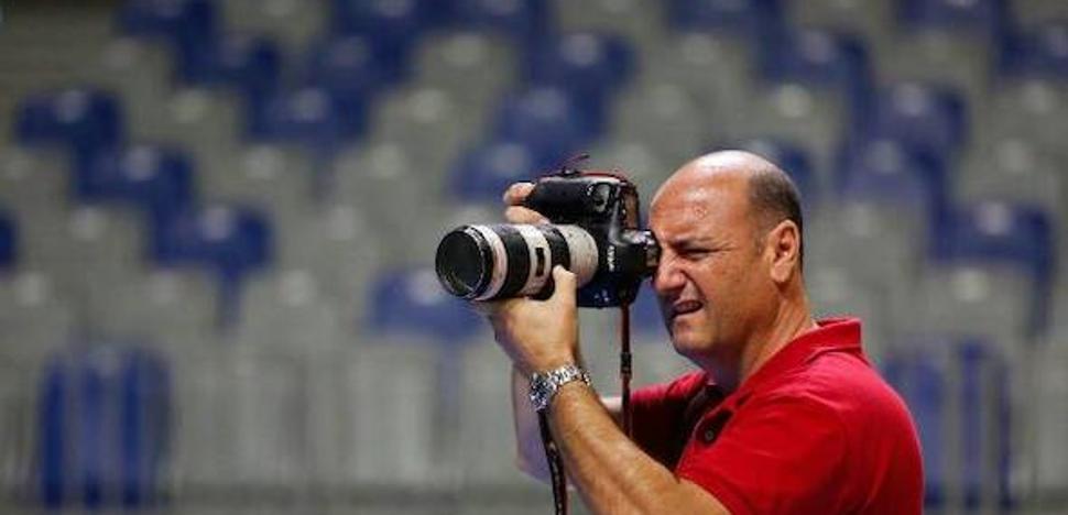 Muere a los 51 años el editor gráfico y fotógrafo de SUR Fernando González Aranda