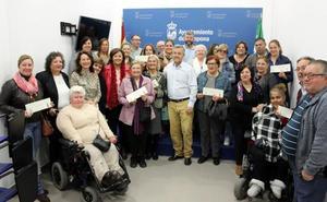 El Ayuntamiento entrega 135.000 euros en subvenciones