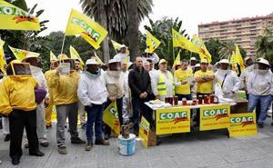 Apicultores protestan contra las importaciones de mieles de mala calidad por parte de la industria