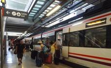 Una mujer con movilidad reducida tarda casi tres horas en salir de una estación por la avería del ascensor en Málaga