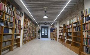 Librería Luces: contra metro y marea