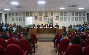 ESTUDIANTES DE LA AXARQUÍA SE ACERCAN A LA ADMINISTRACIÓN