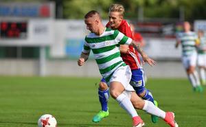 El delantero del Celtic Leigh Griffiths deja provisionalmente el fútbol por su ludopatía